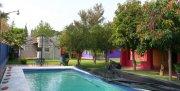casa de campo con alberca y 2 casitas para visitas