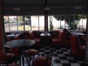 Traspaso cafeteria restaurante estilo retro