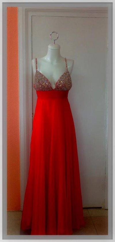 Traspaso Negocio De Renta De Vestidos De Fiesta No Incluye