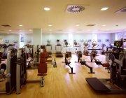 gimnasio muy bien ubicado y equipado