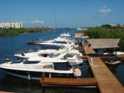 Busco socio para construcción de proyecto inmobiliario hotelero de 15 villas de 124 m2 c/u dentro de nuestra Marina Makax en Isla Mujeres Cancún Quintana Roo México, la cual está operando al 100%