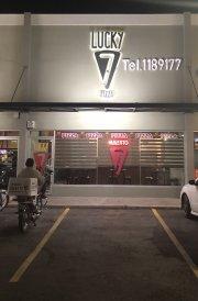 Se traspasa negocio comida rápida
